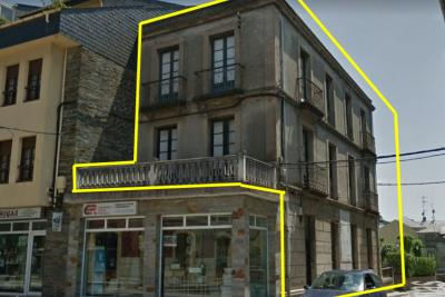 Building for sale in Navia